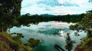 Laguna de Ayauch en Tiwinza